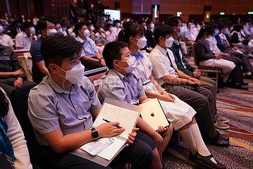 China-Hong-Kong-Earth-Space-Video-Link-Interaktion (CN)