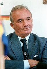 Franz Schoenhuber  Parteivorsitzender der Republikaner  1987