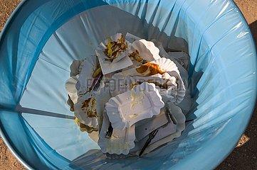 Abfalleimer einer Imbissbude