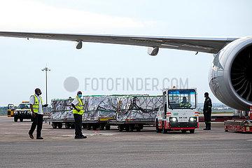 Uganda-Entebbe-Covid-19-Impfstoff-Ankunft