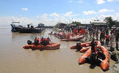 Indien-Jorhat-Boot-Tragödie-Rettung