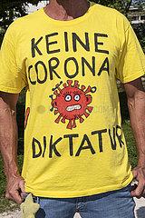 Keine Corona Diktatur  Protest  Querdenker  Rosenheim  September 2021