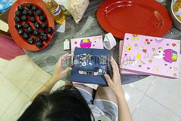 Malaysia-Kuala Lumpur-Mooncakes machen