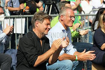 Deutschland  Bremen - Robert Habeck  Co-Vorsitzender von BUENDNIS 90/DIE GRUENEN bei Wahlkampfveranstaltung fuer die Bundestagswahlen 2021
