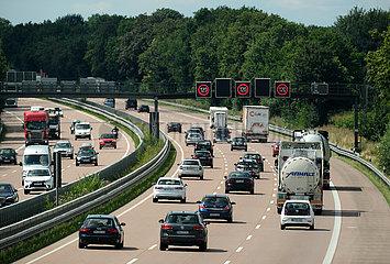 Deutschland  Bremen - Bundesautobahn  in Bremen ist das Tempolimit auf der Autobahn 120