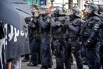Polizeigewalt auf Demonstration gegen die IAA