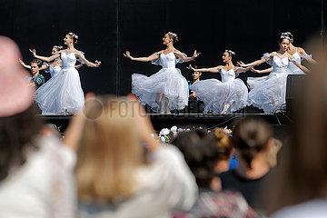Rumänien-Bukarest-Ballett-Studenten