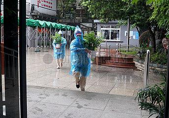 China-Shanghai-Typhoon-Schule-suspendiert (CN)