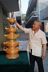 (Fokus) China-Jiangxi-Nanchang-Bambus Weaver (CN)