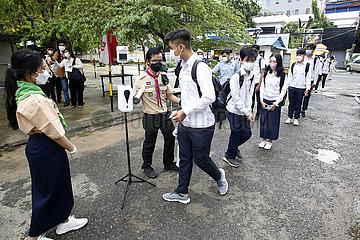 Kambodscha-Phnom Penh-Schule-Wiedereröffnung