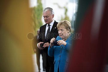 Angela Merkel  Gitanas Nauseda