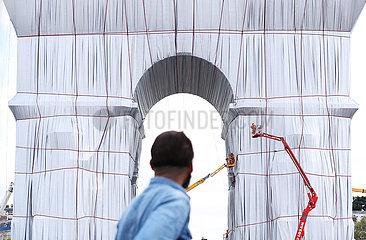 Frankreich-Paris-Arc de Triomphe-Fabric-Wrapping