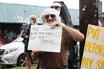 U.S.-Louisiana-New Orleans-Müllparade