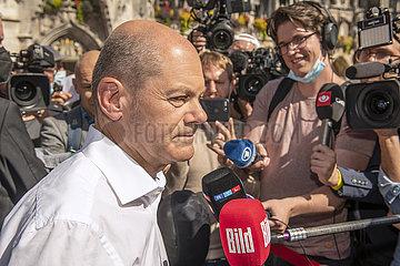 Olaf Scholz  Kanzlerkandidat der SPD  Wahlkundgebung  Medien  Muenchen  18. September 2021