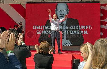 Olaf Scholz  Kanzlerkandidat der SPD  Wahlkundgebung  Muenchen  18. September 2021