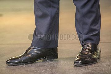 Schuhe von Christian Lindner  FDP-Vorsitzender  Wahlkundgebung  Muenchen  21. September 2021