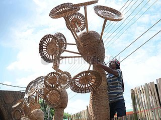 Indien-Agartala-Durga Puja PaNandal machen