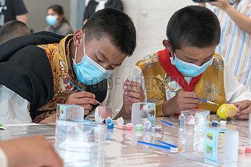 China-Sichuan-tibetische Studenten-Studienreise (CN)