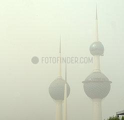 KUWAIT-KUWAIT CITY-HEAVY DUST