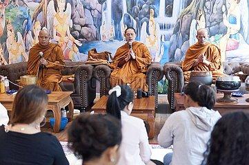 buddhistische Einweihungszeromonie