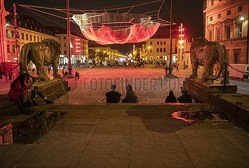 Kunstinstallation von Janet Echelman am Odeonsplatz  Muenchen  September 2021