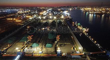 China-Tianjin-Kohle-Transport (CN)