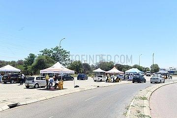 Botswana-Gaborone-Covid-19-Drive-durch-Impfung