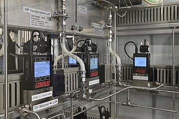 Zentrum fuer Brennstoffzellen Technik an der Universitaet Duisburg