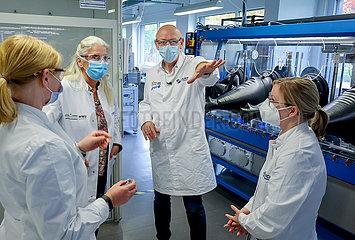 Ministerin Isabel Pfeiffer-Poensgen  Batterieforschungszentrum MEET  Muenster  Nordrhein-Westfalen  Deutschland  Europa
