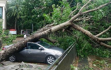 China-Hainan-Typhoon Kompasu-Landfall (CN)