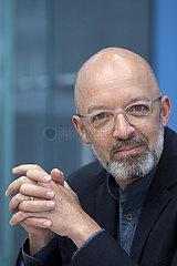 Prof. Timo Wollmershaeuser  Wirtschaftsinstitute Prognose