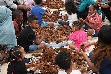 Äthiopien-Addis Ababa-Clay-Art-Event