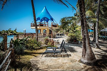 Mombasa Beach mit Strand und Hotels