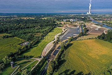 EMSCHERLAND  renaturierte Emscher  Emscherumbau  Recklinghausen  Castrop-Rauxel  Nordrhein-Westfalen  Deutschland