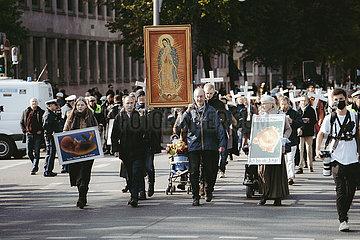 Gegendemonstration zu dem 1000 Kreuze Marsch in München am 17.10.21