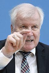 Horst Seehofer - PK Migrationslage